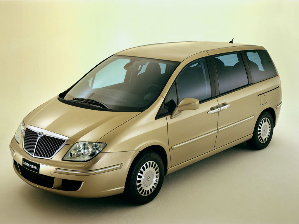 minivan for shuttle rome airport to rome termini railways station